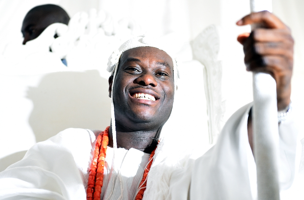 Love tames royalty! The new Ooni of Ife, Oba Ogunwusi picks Fashionista, Ronke Ademiluyi, as new bride