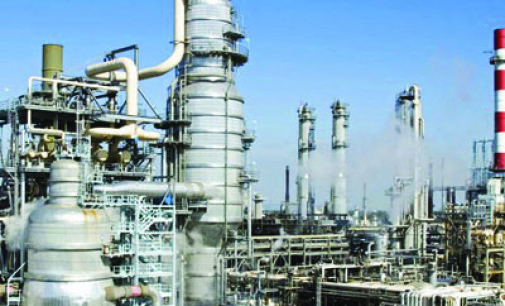 Oil workers back revival of refineries