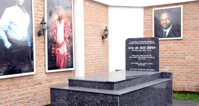 Graveyards Of The Nigeria's Rich And Famous…See How They Bury Their Dead