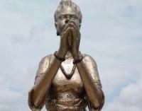Royal Rumble! Oba Akinruntan Rubbishes Ooni of Ife WithMoremi Statue