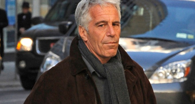 Billionaire Jeffrey Epstein, Accused of Sex Trafficking, Commits Suicide in Jail