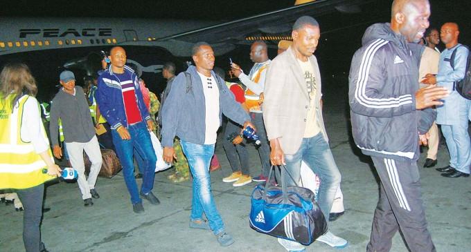 FG Promises South African Returnees Soft Loans, N40,000 Air Time