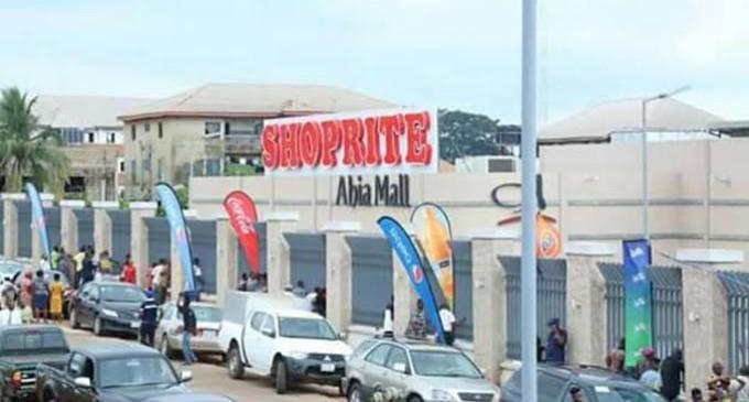 Police Teargass Protesters Near Abuja Shoprite Mall